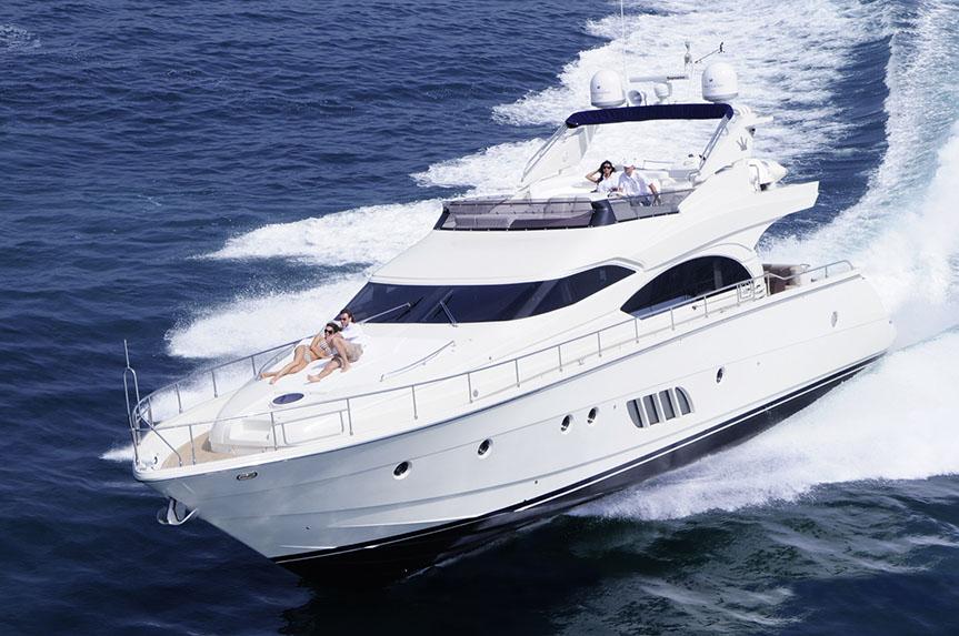 Luxury motor yacht charter x treme dominator yacht for Motor boat rental greece